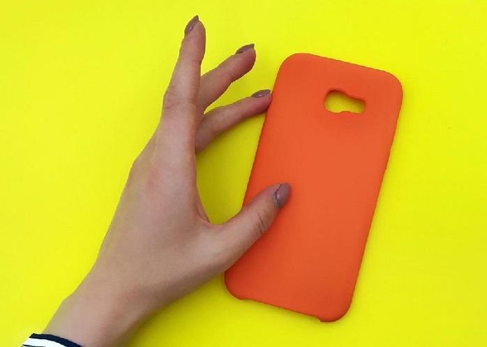 Как отмыть чехол для смартфона Soft Touch?